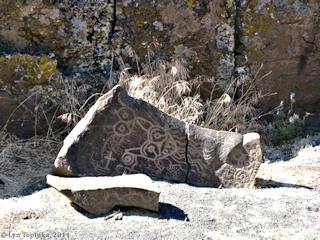 Image, 2011, Petroglyphs, Horsethief Lake Park, Washington, click to enlarge
