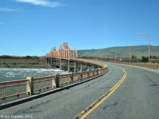 Image, 2011, The Dalles Bridge across the Columbia River, click to enlarge