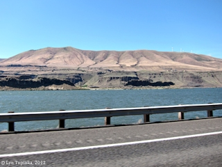 Image, 2012, Columbia Hills downstream from Maryhill, Washington, click to enlarge