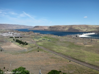 Image, 2012, Columbia River upstream of the John Day Dam, click to enlarge