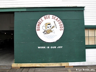 Image, 2013, Columbia River Packing Association, Bumble Bee brand, Astoria, Oregon, click to enlarge