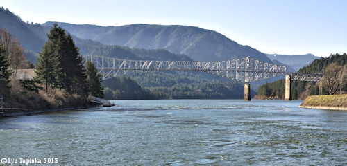 Image, 2013, Bridge of the Gods, as seen from Cascade Locks, click to enlarge
