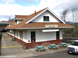 Image, 2013, Mount Hood Railroad Depot, Hood River, Oregon, click to enlarge