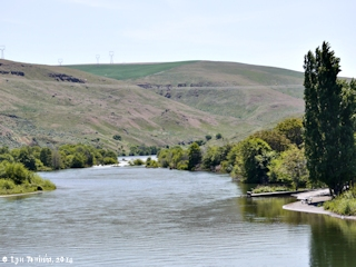 Image, 2014, Deschutes River, Oregon, looking upstream, click to enlarge
