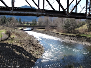Image, 2014, Hamilton Creek, North Bonneville, Washington click to enlarge