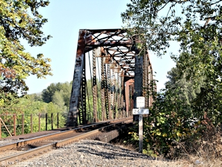 Image, 2015, BNSF Railroad Bridge, Washougal River, click to enlarge