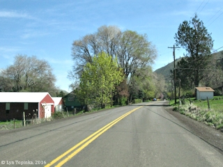 Image, 2016, Historic Columbia River Highway, Rowena, Oregon, click to enlarge