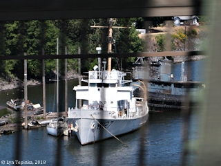 Image, 2018, Coast Guard Cutter Alert W-127 with Sakarissa_YTM-269, Portland, Oregon, click to enlarge
